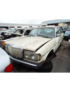 MERCEDES-BENZ W123 240